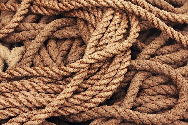 arti mimpi tali