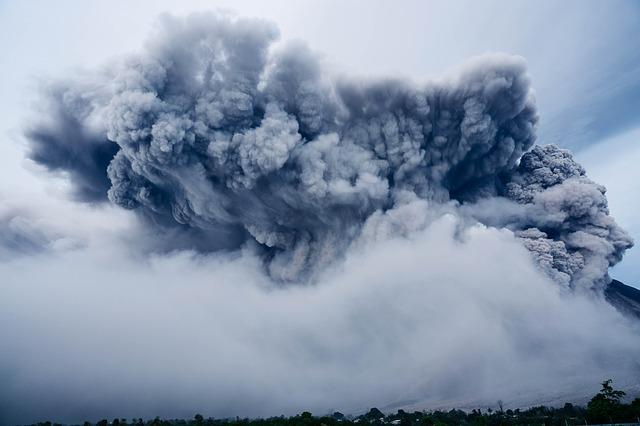mimpi gunung meletus