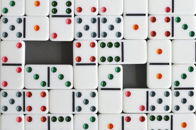 arti mimpi domino