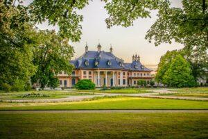 mimpi istana pasris