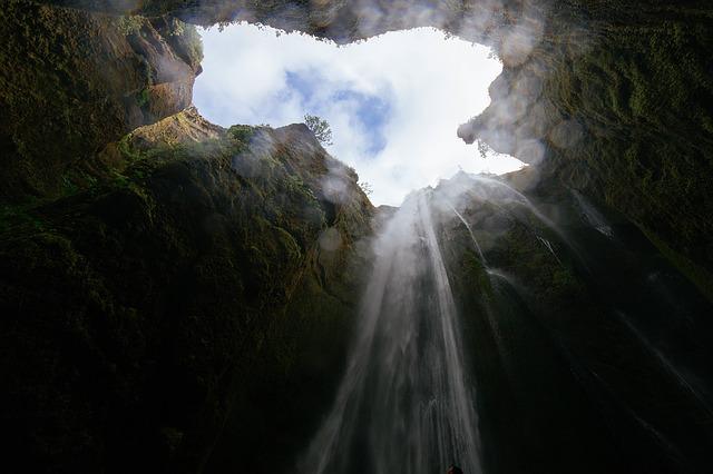 lubang di tanah