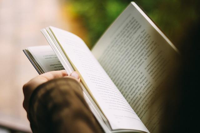mimpi baca buku