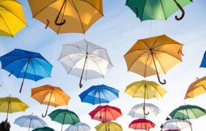 membuka payung